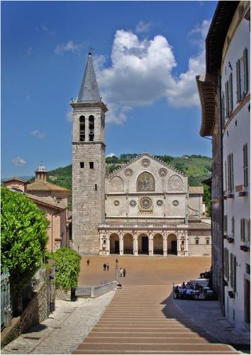 Duomo, Spoleto by Peter Colligan