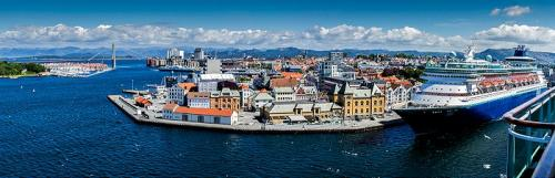 Stavanger Harbour by Erich Poole (9.5)